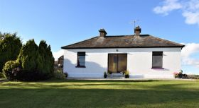 Farmhouse on C. 0.66 Acre, Rostellan, Midleton, Co. Cork. P25XD26