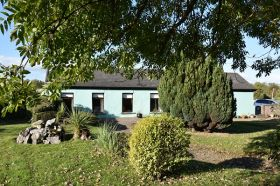 Bungalow Style Residence on C. 0.5 Acre with Old World Charm, Churchtown, Midleton, Co. Cork. P25HD43